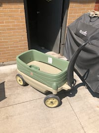 STEP2 LIMITED EDITION WAGON with hideaway drawer Toronto, M6J 2S2