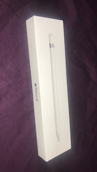 White apple watch with box Mississauga, L5K 2C7