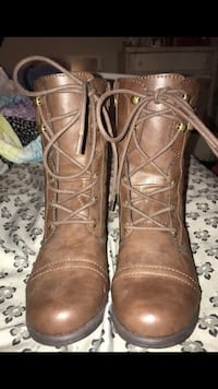 pair of brown leather boots Woodbridge, 22191