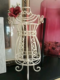 dresser top Victorian jewelry holder Whitby, L1N 8X2