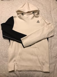 Reebok white and black hoodie men Small $20 Montréal, H3X 2T4