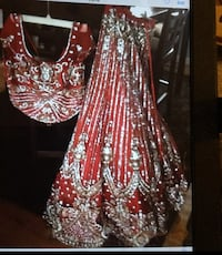 Dress never been worn before brand new size small Langley, V3A 4E7