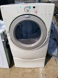 whirlpool gas front loader with pedastal dryer  Louisville, 40203
