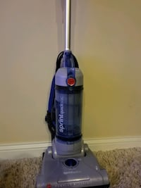 Vacuum cleaner (works well)