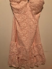 Pink lace strapless dress! Aurora, L4G 0H1