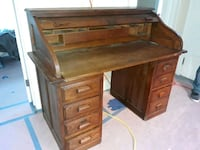 Antique roll-top desk. Great condition. Frederick, 21701