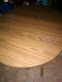 oval brown wooden coffee table Albuquerque, 87121