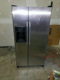 stainless steel side-by-side refrigerator with dis Reston, 20190