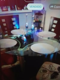 round white wooden table with four chairs dining set Orlando, 32839
