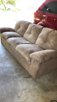 Couch Neenah, 54956
