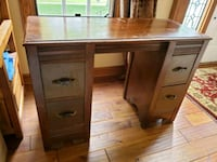 Antique desk Urbandale, 50322