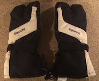 Kombi 2-Finger Ski Gloves - Tried on once - Save some money! Kirkland, H9J 2C6