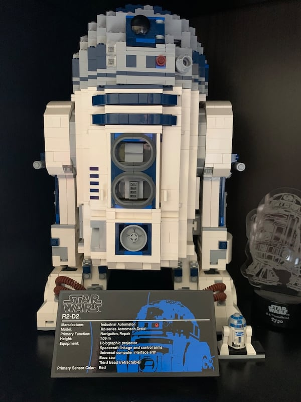 Collectible Lego R2D2. Sold as it is without original box 3c690418-4c55-4d3c-ada8-d0a70af517b1