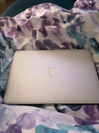 Macbook air  Ottawa, K1V 2J1