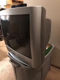 Gray crt tv with remote San Leandro, 94577