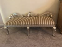 Great condition bench, about 5 ft wide. Gaithersburg, 20878