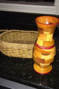 Vase and Basket-$10 takes all Clarksville, 37043