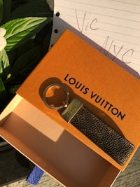 Authentic Louis Vuitton Keychain New York, 10016