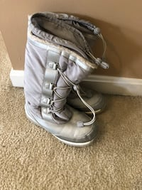 Lands End size 3 winter boots Haymarket, 20169