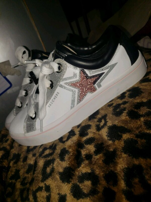 c45188408b Used SKECHERS STREET Los Angeles Size 9.5 for sale in Athens - letgo