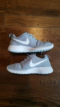 Nike Roshe like new size 8.5 mens Brookville, 45309