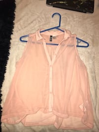Peach/pink see through top  Levant, 04401