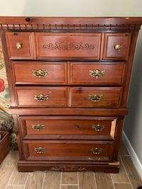 Dresser and chest of drawers  Dade City, 33525