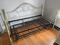Day bed Hagerstown, 21740