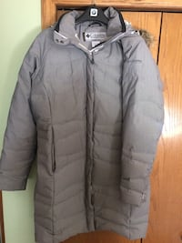 Ladies Columbia down coat - Size L Calgary, T2Y 2Z8
