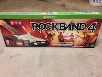 Rockband 4 stratocaster fender xbox one controller and game