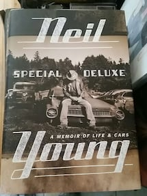 Neil Young special Deluxe book