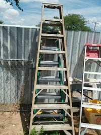 green and gray metal ladder 8 feet  Amarillo, 79107