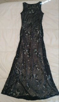 Fully Beaded Long Gown Size 4 938 mi