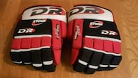 "Hockey gloves 12"" Gatineau, J9H 4M8"