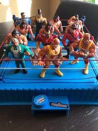 Vintage Hasbro WWF Wrestlers and ring set Vaughan, L6A