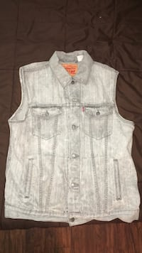 Levi's  Denim Vest (Size XL). Arlington, 22206