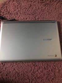 Silver Samsung Chromebook Refurbished(Super Good Condition)