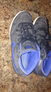 pair of black-and-purple Nike sneakers Calgary, T3K 1V6