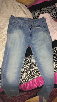 Size 8 American Eagle Jeans Windsor, N9A 1S7