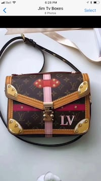 Brand new purse 65.00 firm no trades I live in Sherwood park Sherwood Park, T8H 2V4