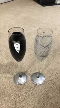 Two clear glass champagne flutes Virginia Beach, 23452