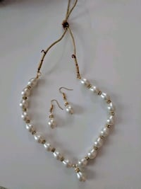 new pearl, gold and rhinestone set necklace and ea Aldie, 20105