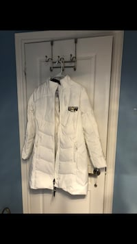 New with tags down winter coat size M Vaughan, L4H 0M3