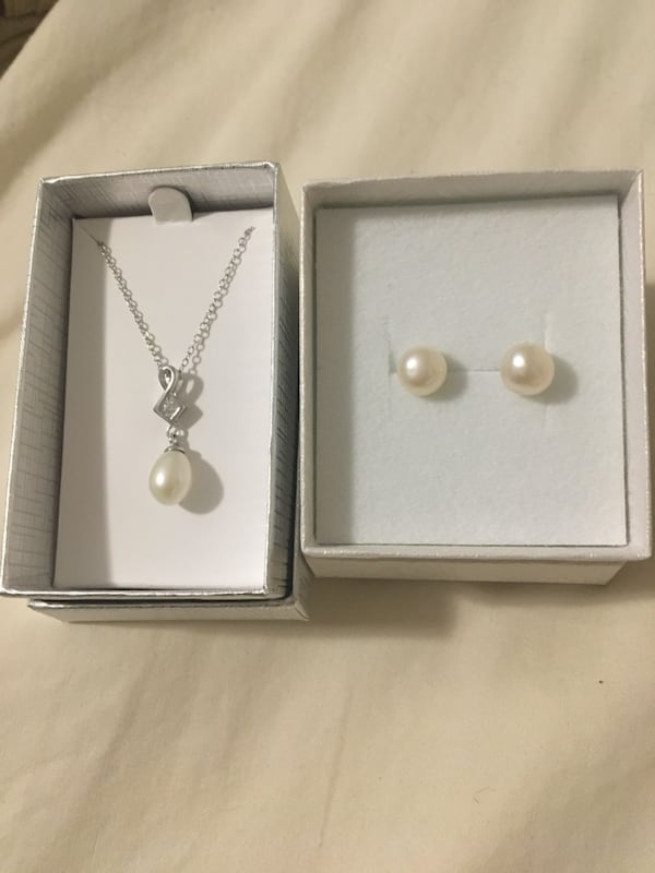 Pearl set earrings and necklace cf8279a0-2d58-49e4-b698-2ba0300b3d73