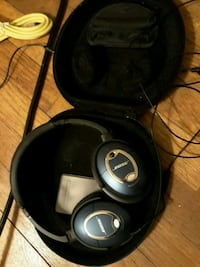 Bose noise cancelling headphones  480 mi