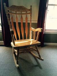Beautiful large solid wood rocking chair Fairfax Station, 22039