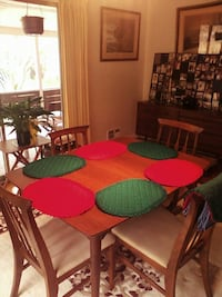 8 Red & Green Place mats