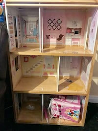 Doll house  Los Angeles, 90063