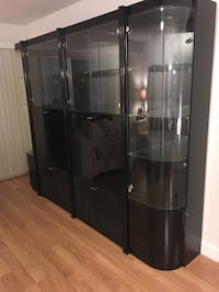 Free wall unit to first one to pick up!