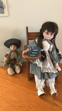 Two porcelain dolls Hickory, 28601
